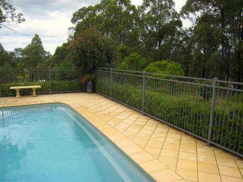 La s curit et la piscine no stress for Securite piscine loi