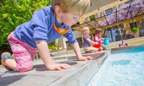 objet-connecte-surveillance-piscine